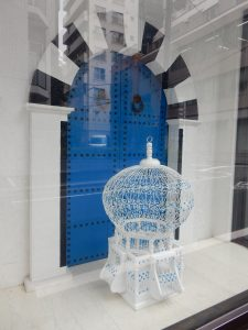 チュニジア,大使館,鳥カゴ,モザイク画,デザートローズ,シディブザイド