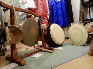 楽器もこれだけでなく弦楽器などもありました
