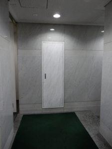 扉の先はこんな感じです